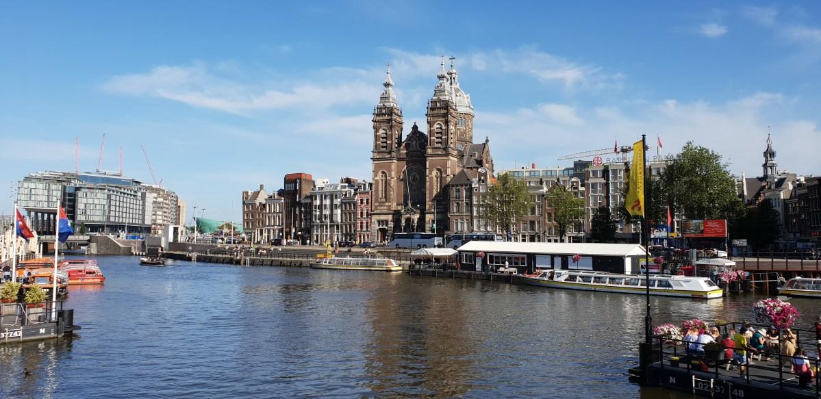 Emvisesa expone casos prácticos de la política municipal de vivienda social del Ayuntamiento de Sevilla en Amsterdam