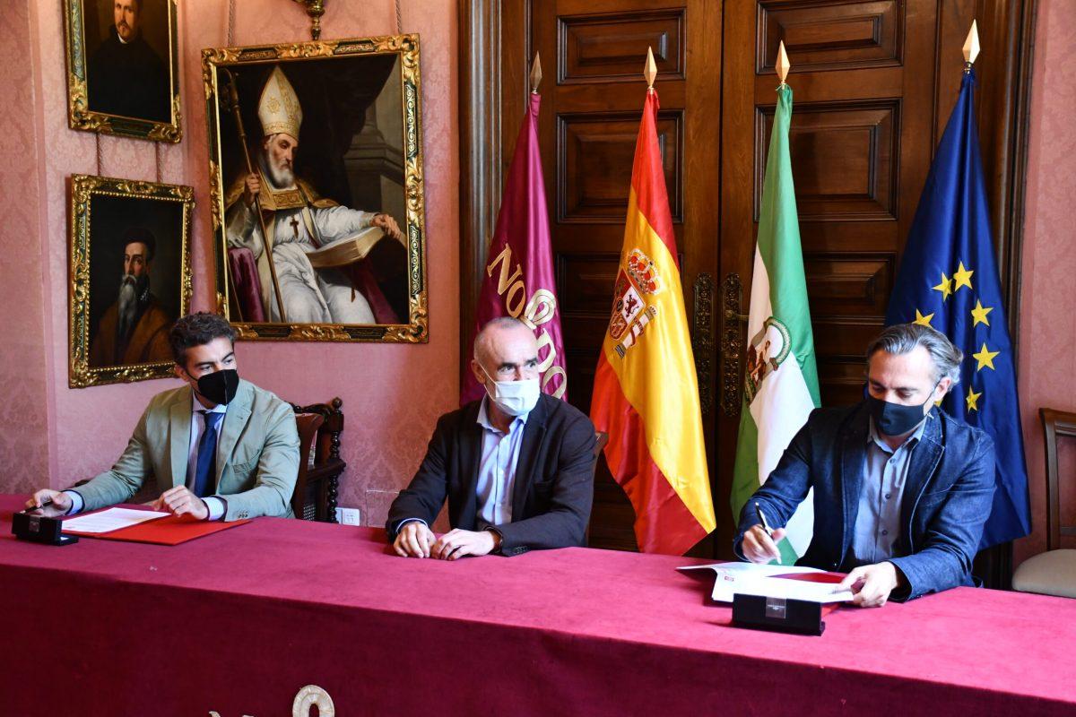 Emvisesa y el Colegio de Aparejadores de Sevilla firman un convenio de colaboración para el desarrollo de actividades de asesoramiento, divulgación y formación