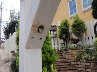 道路側柱の梁取付
