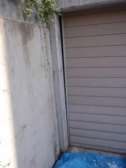 ガレージの左側