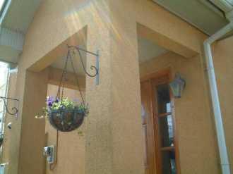 作業前の玄関柱