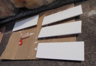 棚板の色塗り