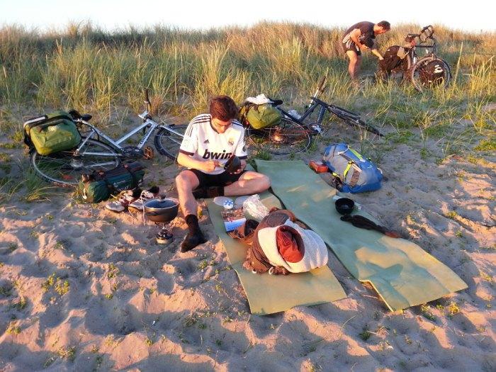 bivouac sur la plage en suede