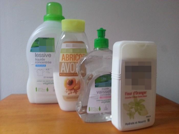 Produit d'hygiène 4 en 1 pour voyager léger