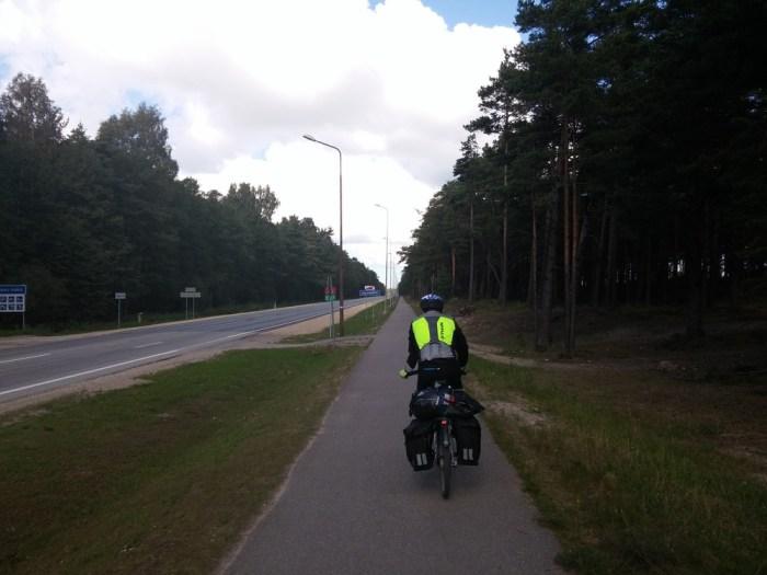 piste cyclable séparée sur l'eurovelo 13