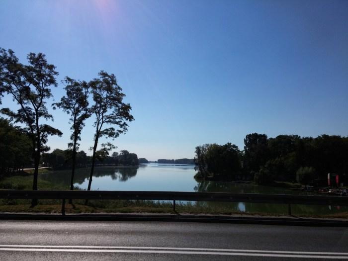 Vue sur le fleuve à Kruswika