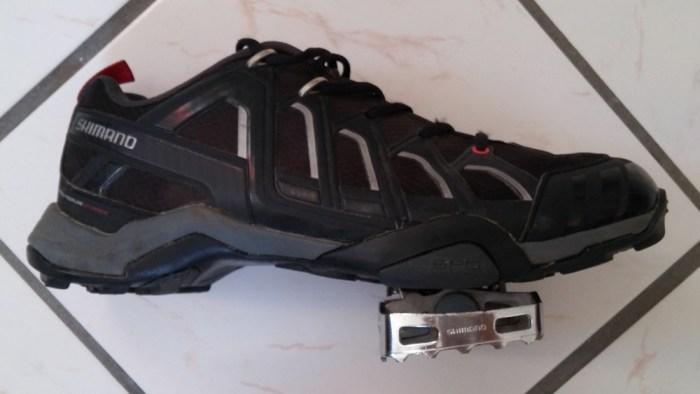 Pédales semi-automatiques SPD-M324 et chaussures Shimano SH-MT34L