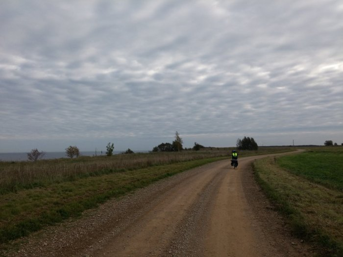 Sentier en terre EuroVelo 10 Estonie