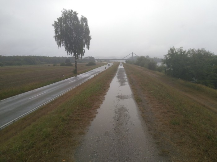 digue danube pluie eurovelo 6 allemagne