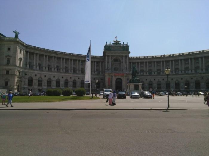 bibliotheque-nationale-vienne-danube-eurovelo-6