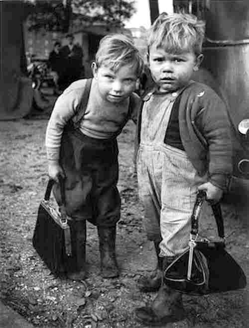 des photos anciennes en noir et blanc des photographies d epoque a visualiser et leur histoire