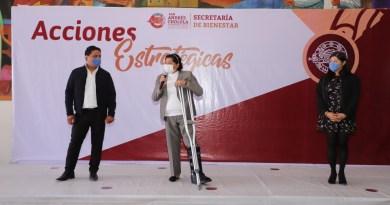 Encabeza Karina Pérez Popoca 2a entrega de apoyos a maestras de CAIC