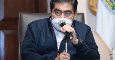 Alcalde prófugo de Ajalpan es un «canijo sinvergüenza»: Miguel Barbosa
