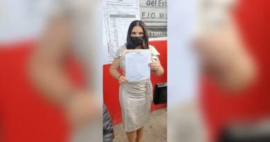 Norma Layón recibe constancia de mayoría en Texmelucan