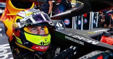 «Me quedé sin agua desde la vuelta 1»: Checo Pérez tras subir al podio