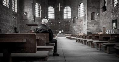 Alertan por falso cura otorgando misas en Puebla