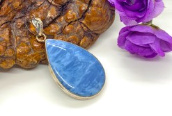 Blue Lace Agate Pendant in Sterlinh Silver Setting