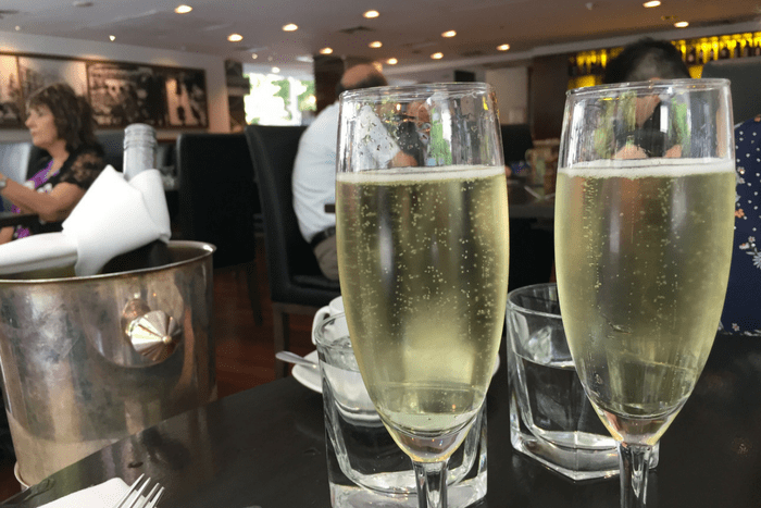 Marriott Melbourne Three Plates High Cudo Champagne