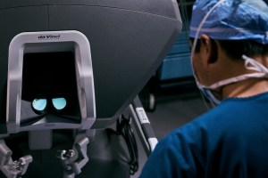 Surgeon viewing the workspace on the surgeon console