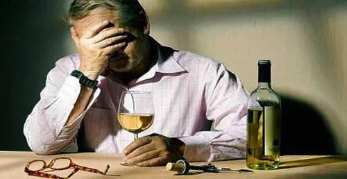 Como ayudar a un alcohólico