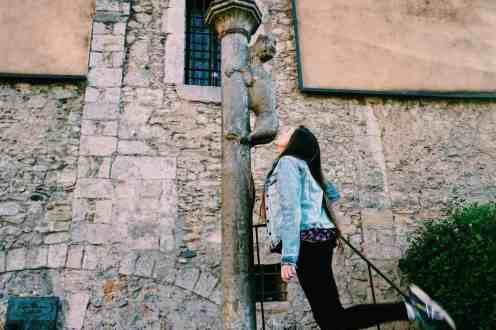 9. Kiss the Lion's Butt The hilarious and ... highly hygienic (note sarcasm) legend is that if you kiss the lion statue's butt, it will ensure that you come back to Girona. I, for one, had fallen in love with the city by this point so I made sure to pucker up and give the lion's butt a big kiss. Luckily, of all the free things to do in Girona, this only costs your dignity!