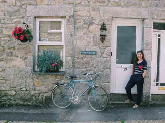 The best city in Cornwall for a day trip: you must take a St Ives day trip. Enjoy my photo journal, hotel, and food advice for the best St Ives day trip!
