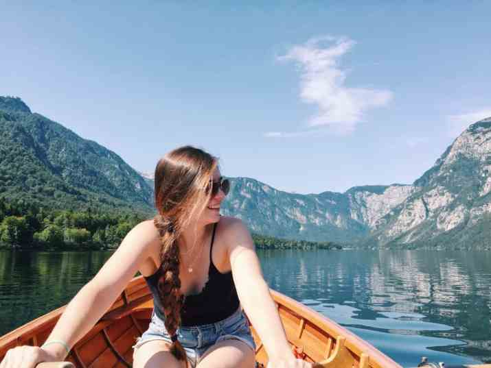 Traveling with Endometriosis can seem near impossible. Here, six endo warriors share their advice on traveling with endometriosis and how you can too! #endometriosis #travelingwithendometriosis #endowarriors #endometriosistravel #chronicillnesstravel