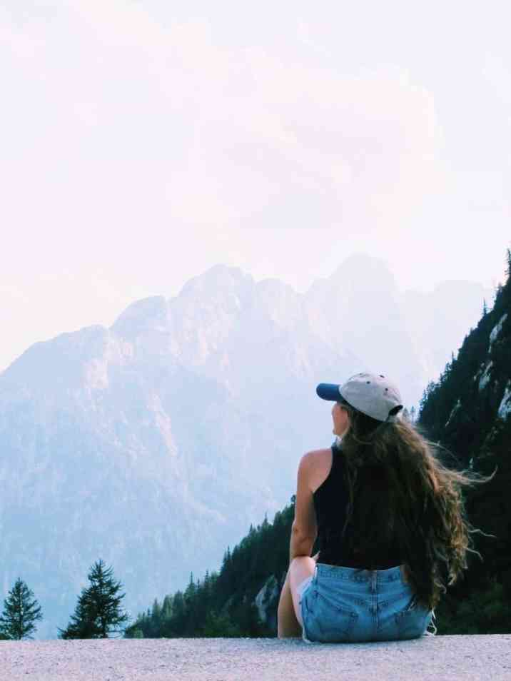 If you want to create a travel life for yourself, consider these lifestyle changes to help you travel more and live better. #travel #travellife #travelmore #traveltips