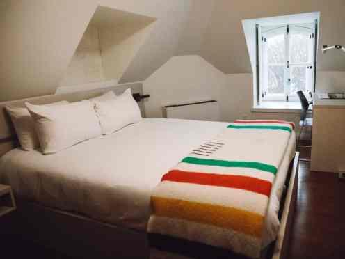 Contemporary room