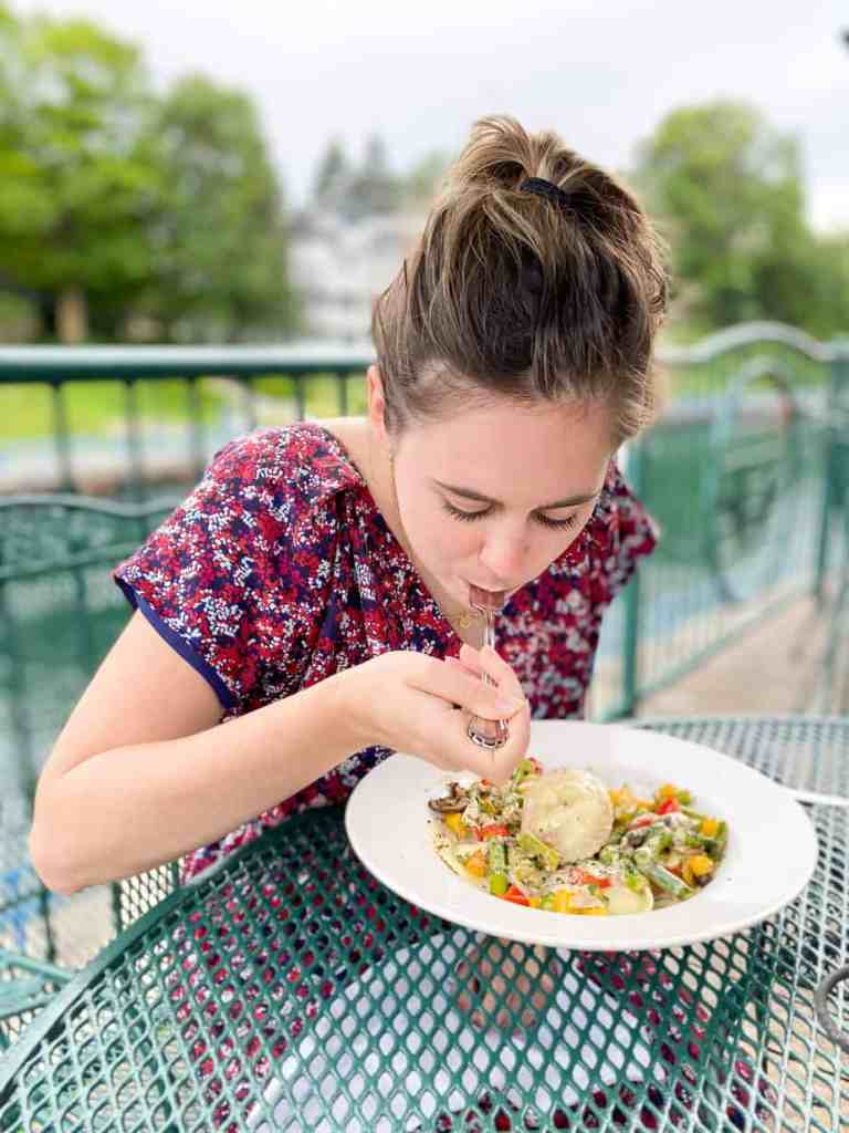 Check out this complete guide to gluten free Charlevoix Michigan! Includes Charlevoix's top 10 gluten free restaurants that are safe for celiacs. Michigan   USA   United States of America   Travel Destinations   Charlevoix Michigan   Charlevoix   Gluten Free Travel   Gluten Free   Local Guide   Wanderlust