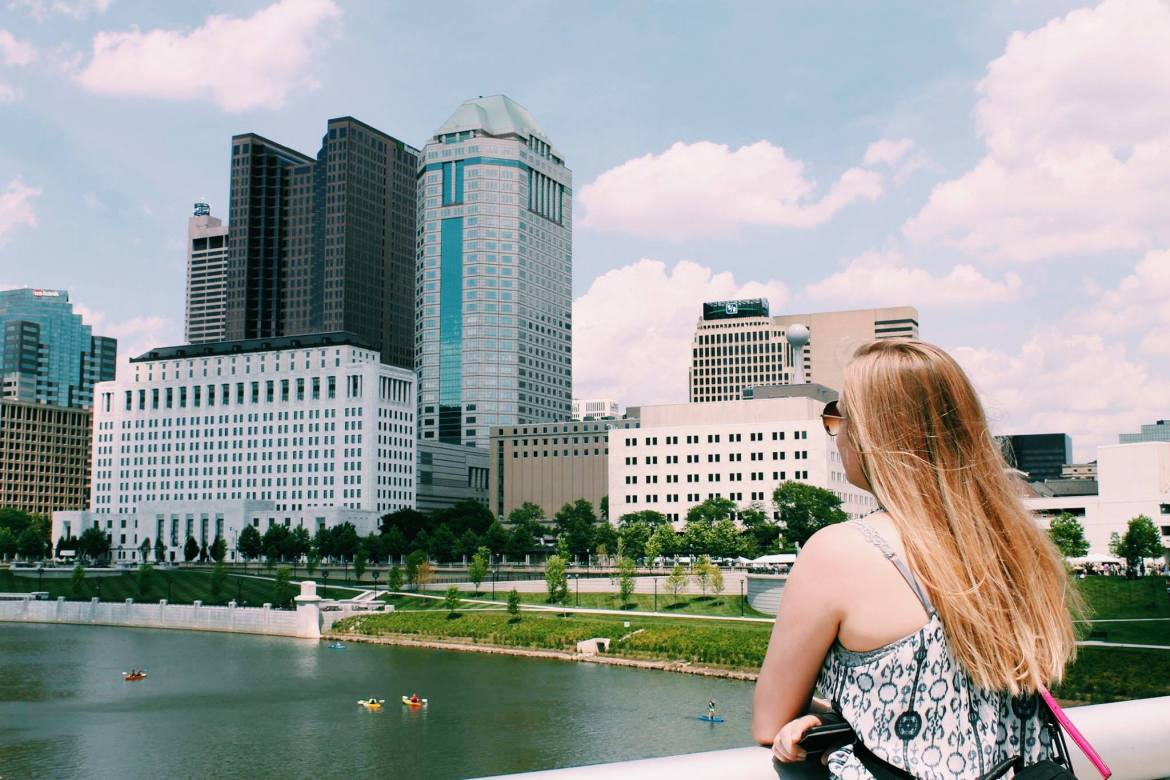Transitioning into a new city can be difficult, this article will give you tips on how to transition for a new job or internship with CORT furniture.