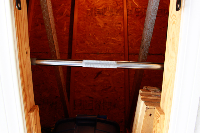 Diy pull up bar in 10 minutes diy pull up bar solutioingenieria Image collections
