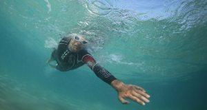 Huub triathlete under water at Kona 2014 photo trimaxhebdo