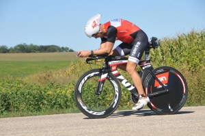 Coach Rich on his way to the 14th overall fastest bike split.