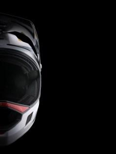 Lescheek pads- mousses en contact avec les joues - sont spécifiquement développées pour les besoins de l'Enduro moderne : maintien du casque, ventilation, compatibilité avec les lunettes…