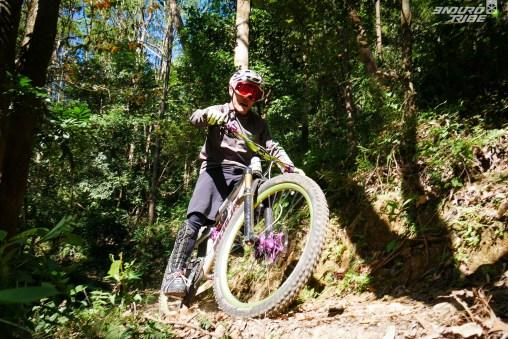 Jevon, Alexis et Fab en action sur les trails de TaimoShan....