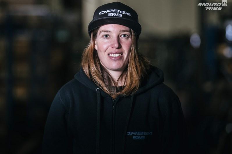 Becky Cook :9ème des EWS 2017 pour sa première saison, la pilote britannique de 31 ansrejoint Orbea et entend bien se frotter au Top 5 féminin sur un maximum d'étapes.