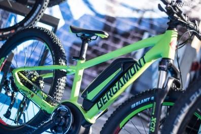 Chez Bergamont aussi, l'offre électrique pour les jeunes se décline en 24 pouces avec le Bergamont e-Revox 24 particulièrement sloping.