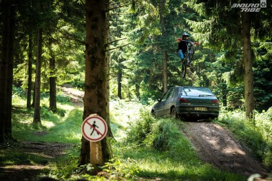 commencal clash slice of ariegeoise pie-27