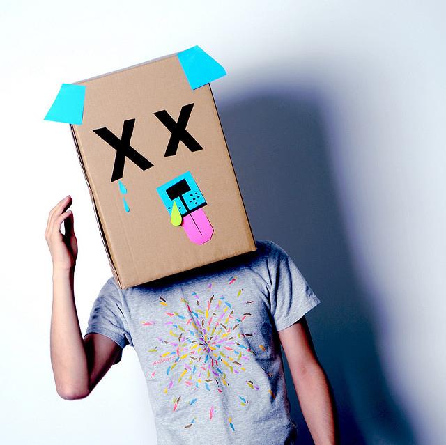 Hund Karton-Kostüm-Idee