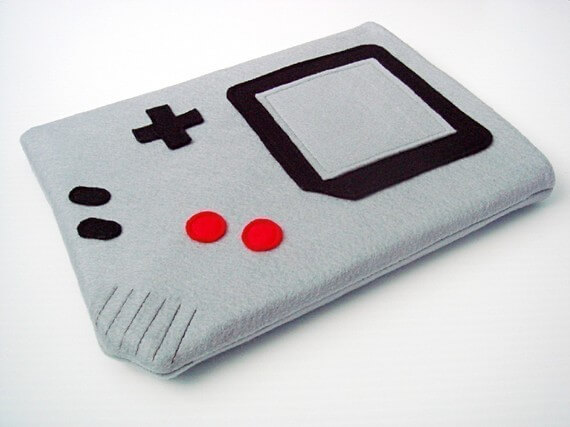 Nerdige iPad Sleeves aus Filz – Nintendo Gameboy
