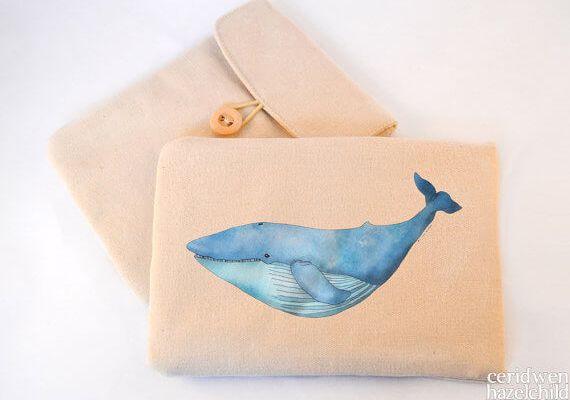 Tablet Sleeves mit Illustration – Wal