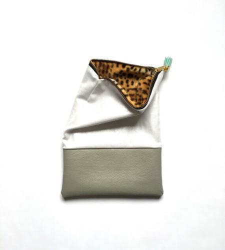 iPad Sleeves aus Kunstleder und Stoffen – grau weiß