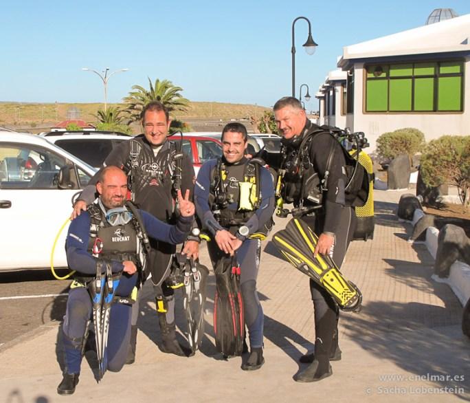 20110116 1000 - Adrián, Javier, Juan, La Virgen