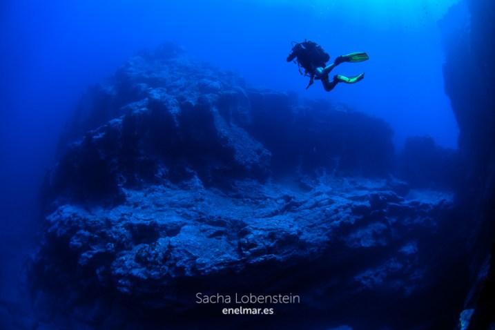 20150906-1309-SachaLobenstein-enelmar.es-Baja del Sargo o Arco de La Caleta