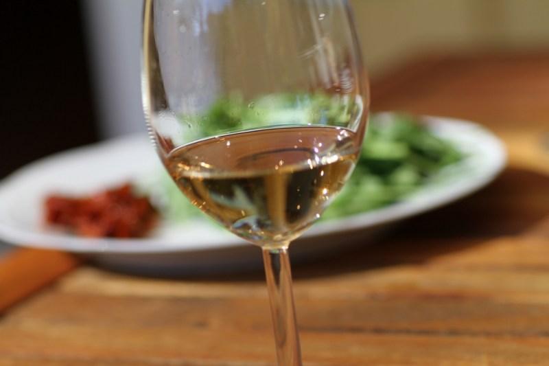 Ett glas med pommac