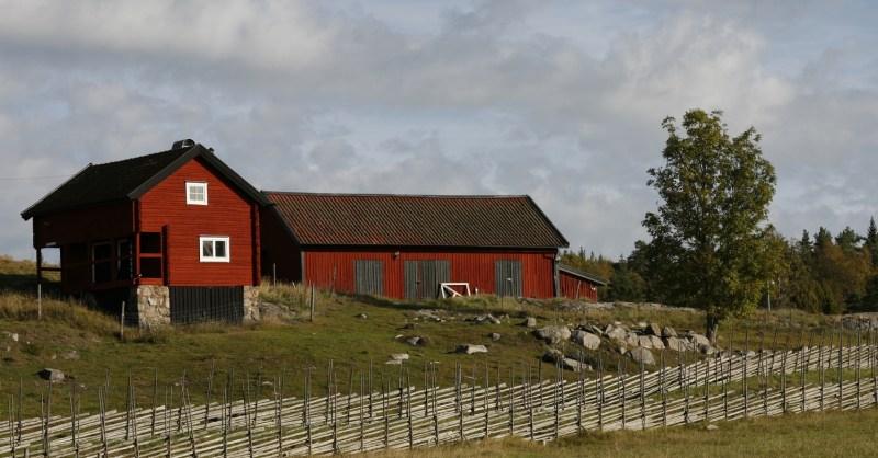 rött hus tyresta by inlägg om stillhet