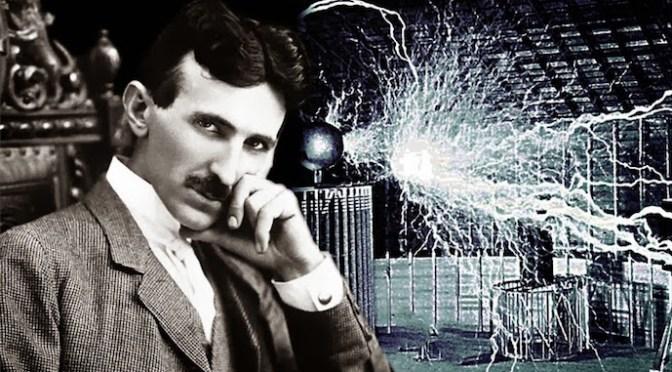 Nikola Tesla e Donald Trump: con la testa rivolta alle spalle