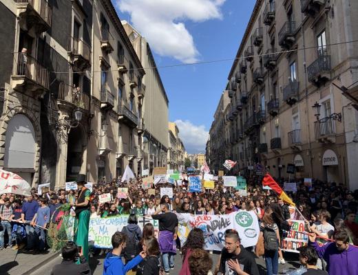 Sciopero globale per il clima: sono i giovani a dare l'esempio