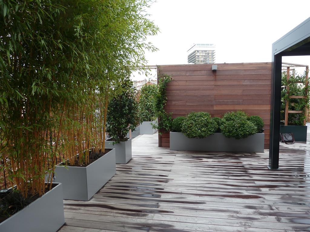 pergola bois avec jardiniere